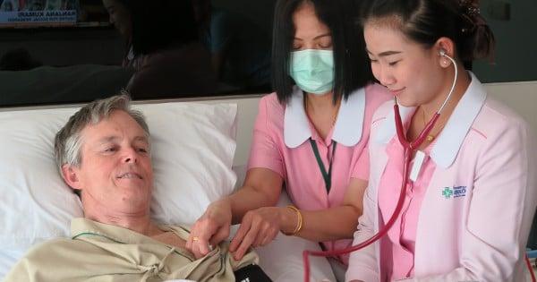 Krankenschwestern bei BBH untersuchen Jack Pearce